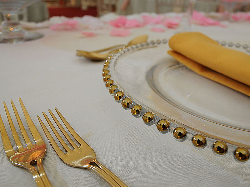 Create luxury table settings