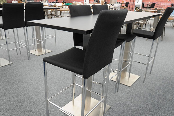 *NEW* Dual piazza high table