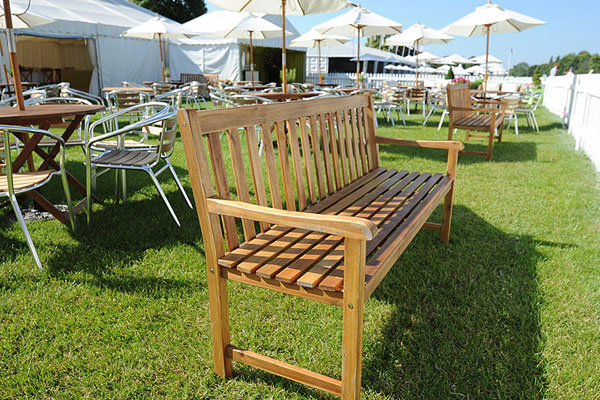 Hardwood benches for relaxed summer events