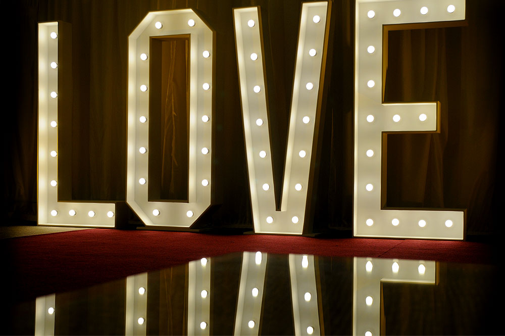 *NEW* Illuminated LOVE sign for weddings