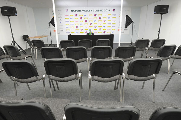 Charcoal linking ISO chairs for press conferences