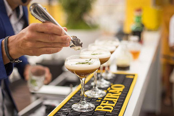 Why mobile bar hire is so popular